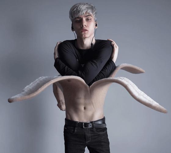 Com 18 anos, Andrey Tyurin faz manipulações incríveis
