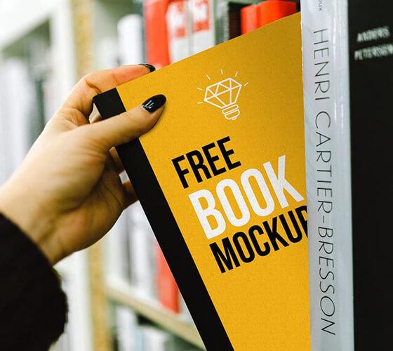 Mockup Livro em estante
